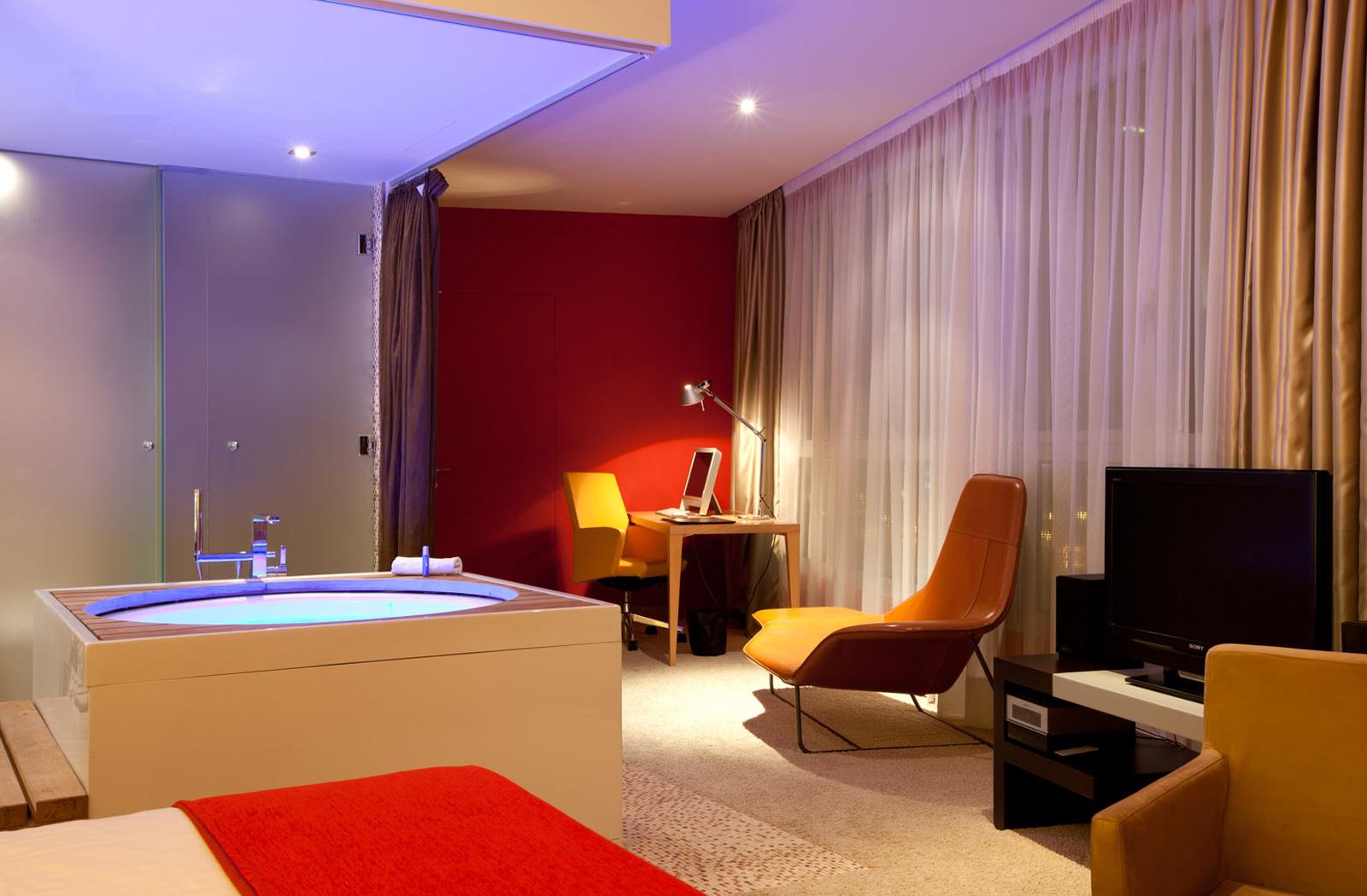 Fotos del hotel sb diagonal zero de barcelona for Hoteles barcelona habitaciones cuadruples